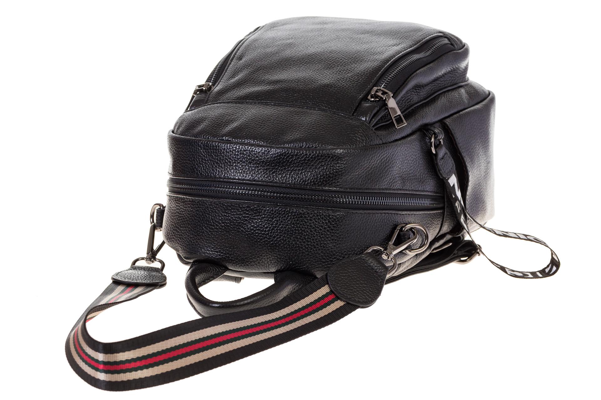 На фото 4 - Женский кожаный рюкзак, цвет черный 15833AR