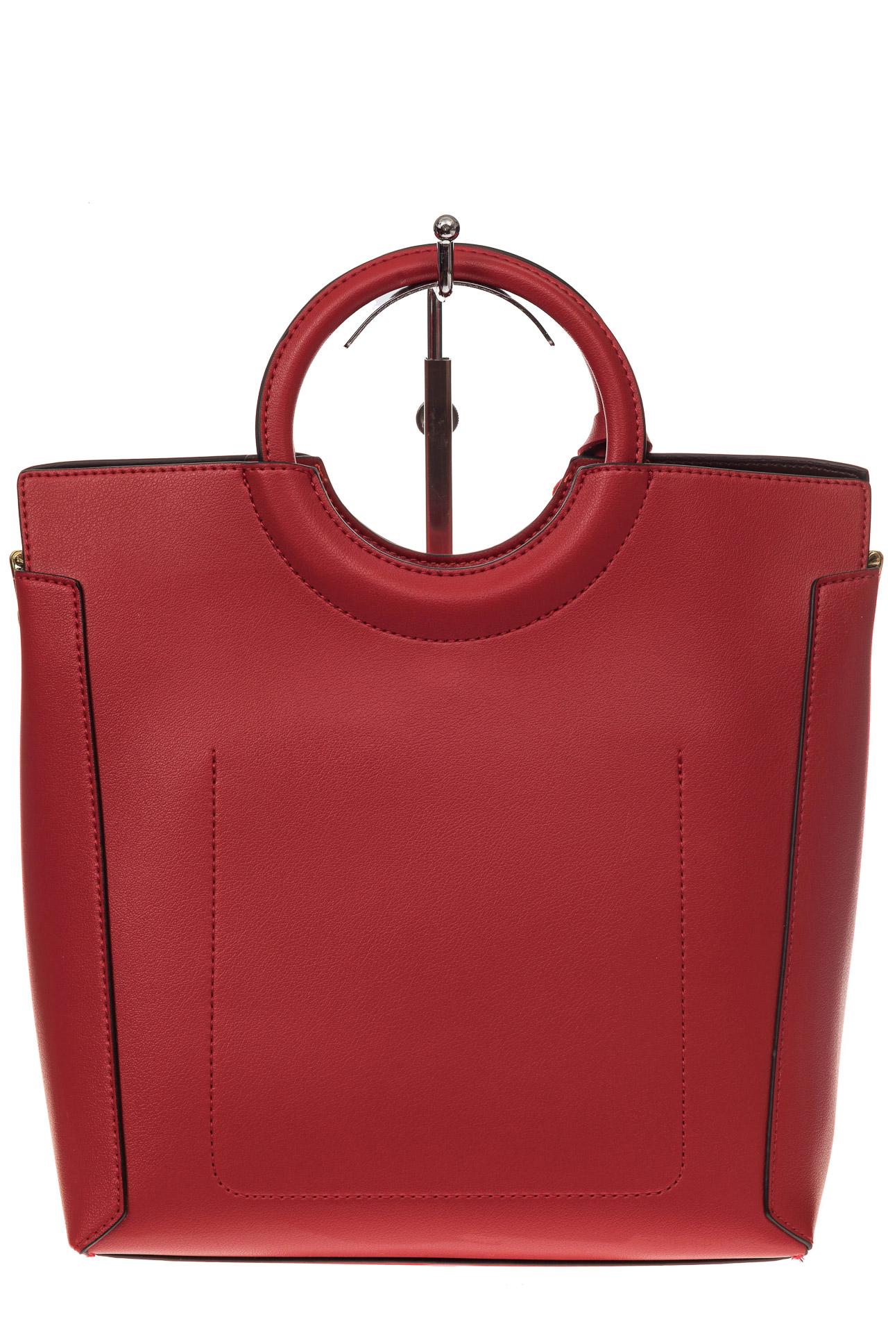 На фото 3 - Красная сумка с ручками-кольцами из искусственной кожи
