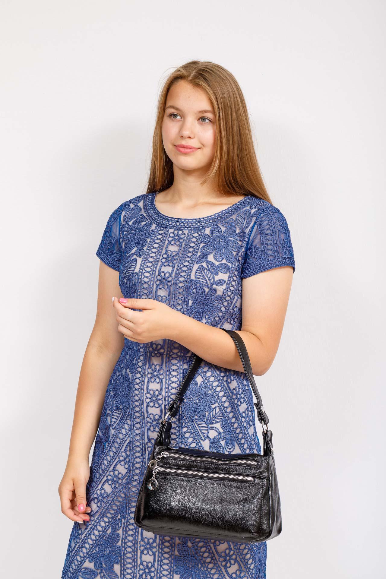 На фото 4 - Женская классическая сумка из искусственной кожи, цвет черный