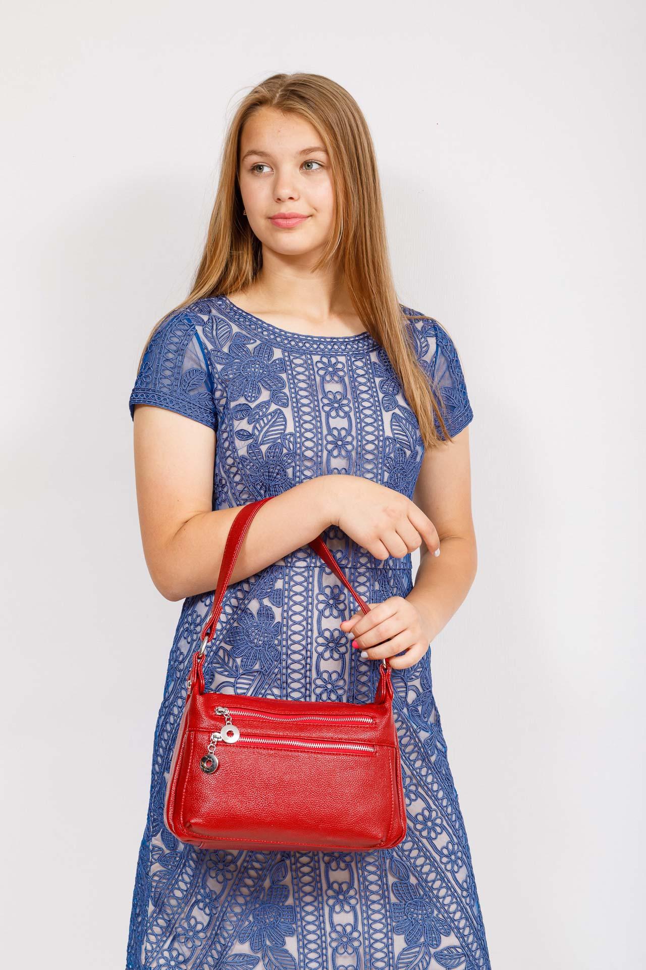 На фото 4 - Женская классическая сумка из искусственной кожи, цвет красный
