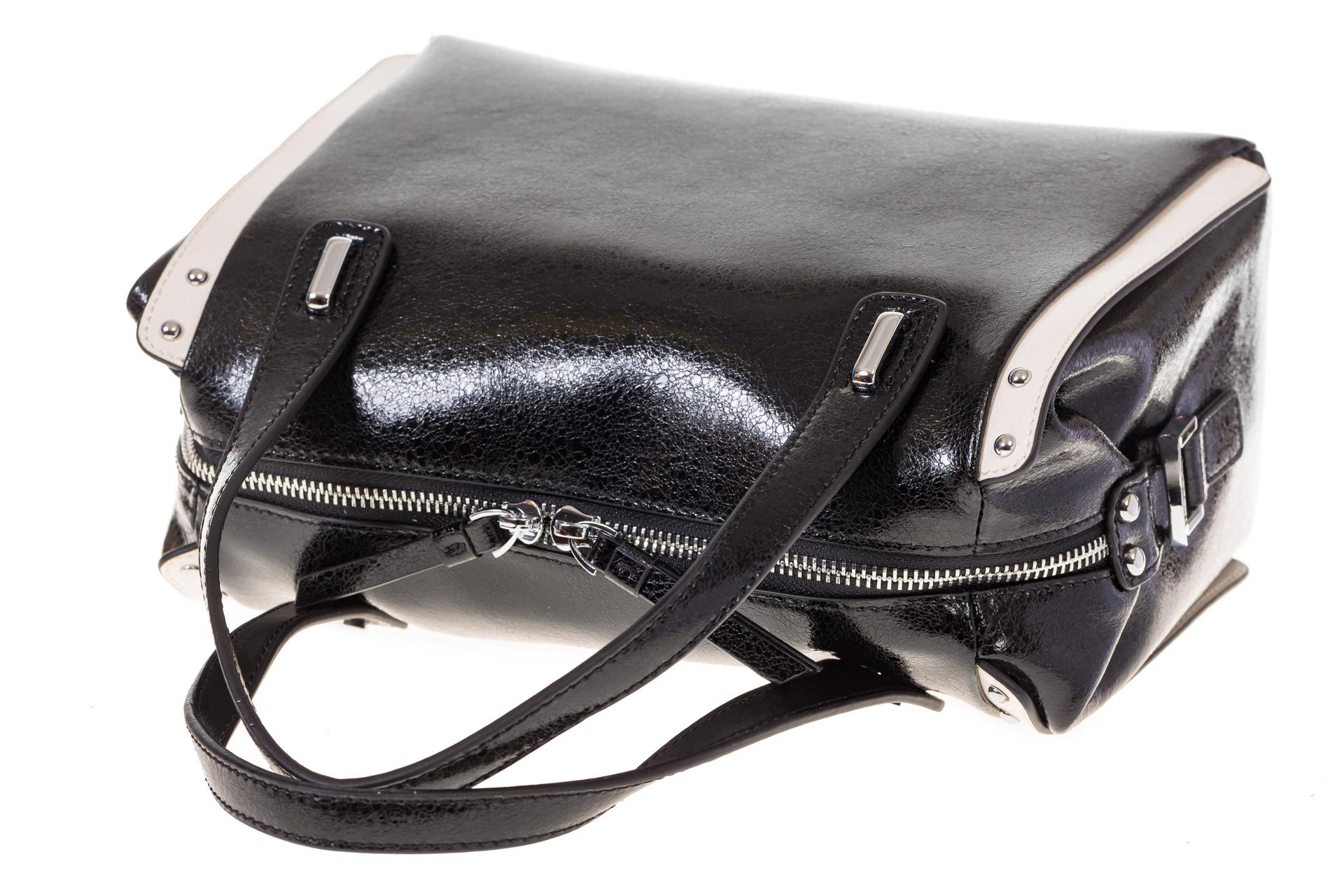 На фото 4 - Черная глянцевая кожаная сумка 1791AK