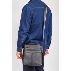 На фото 4 - Мужская кожаная сумка через плечо, цвет черный