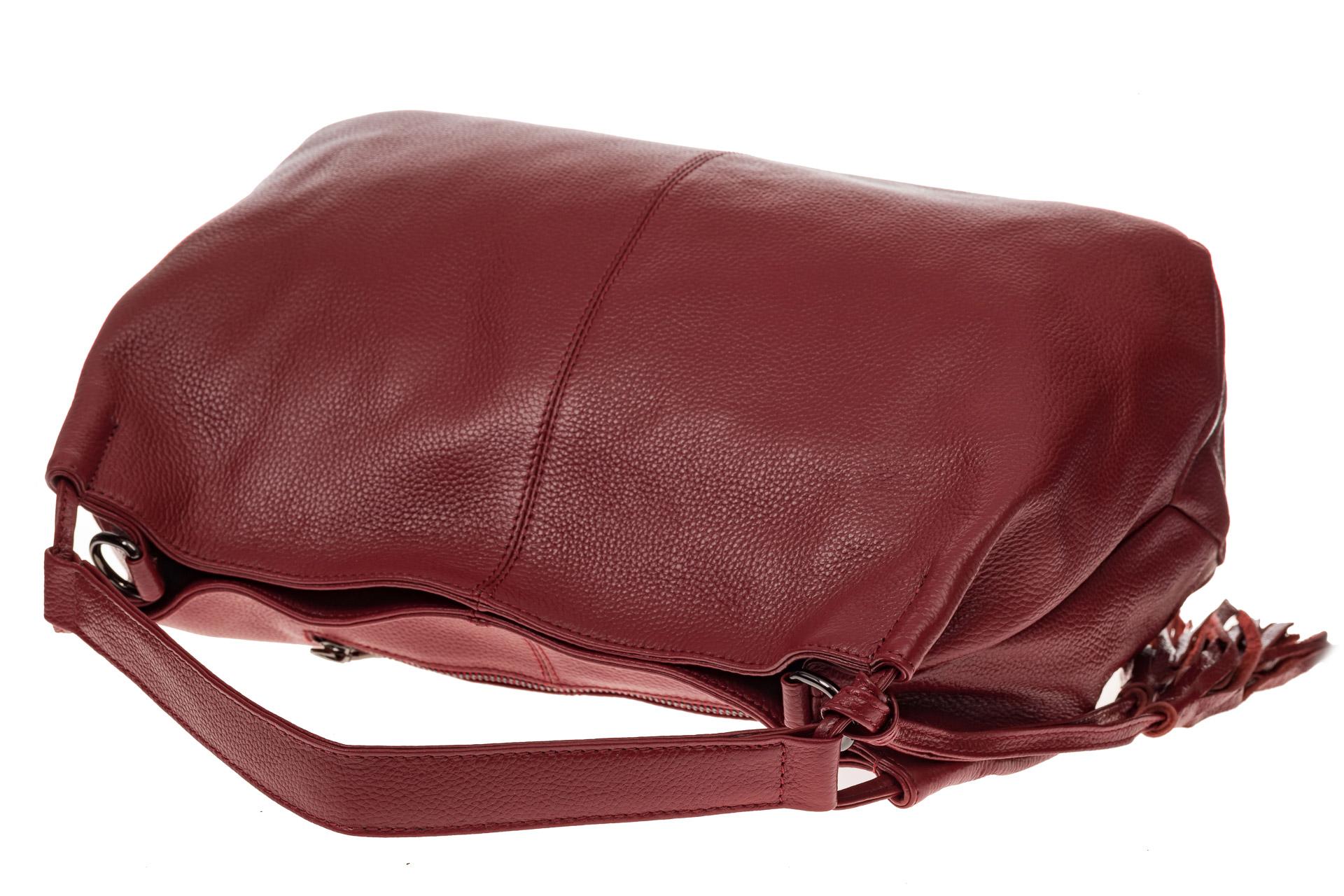 На фото 4 - Мягкая женская сумка из натуральной кожи, цвет красный