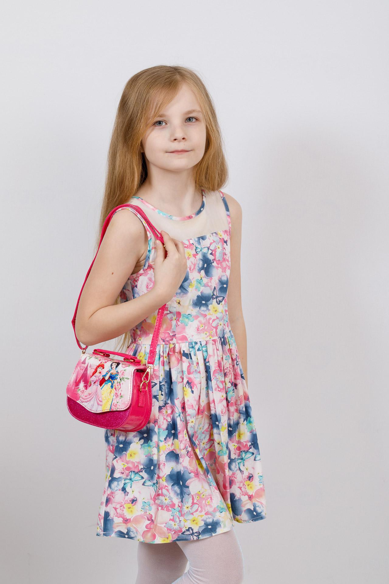 На фото 4 - Сумка для девочки с принтом, цвет розовый
