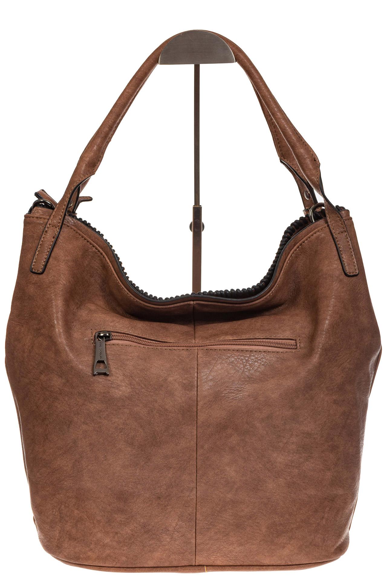 На фото 3 - Мягкая женская сумка из искусственной кожи пудрового цвета