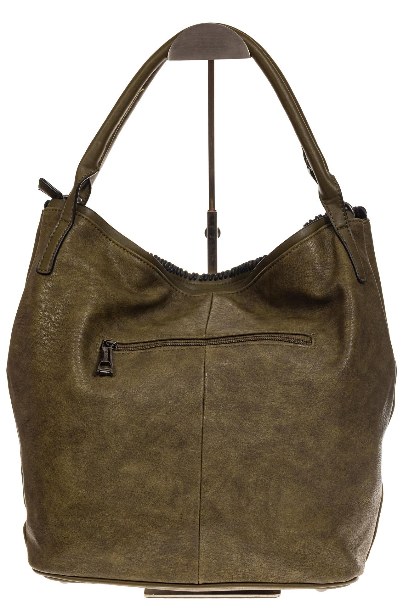 На фото 3 - Мягкая женская сумка из искусственной кожи зеленого цвета