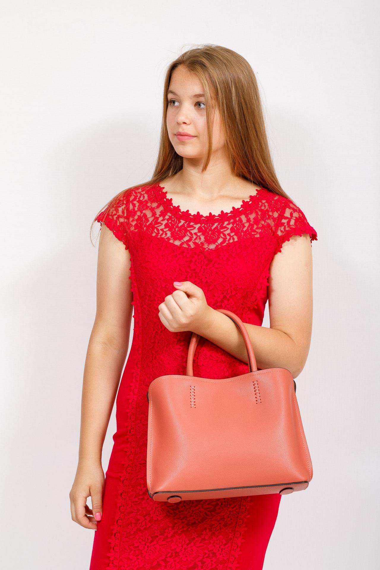 На фото 4 - Строгая женская сумка из натуральной кожи, цвет коралл