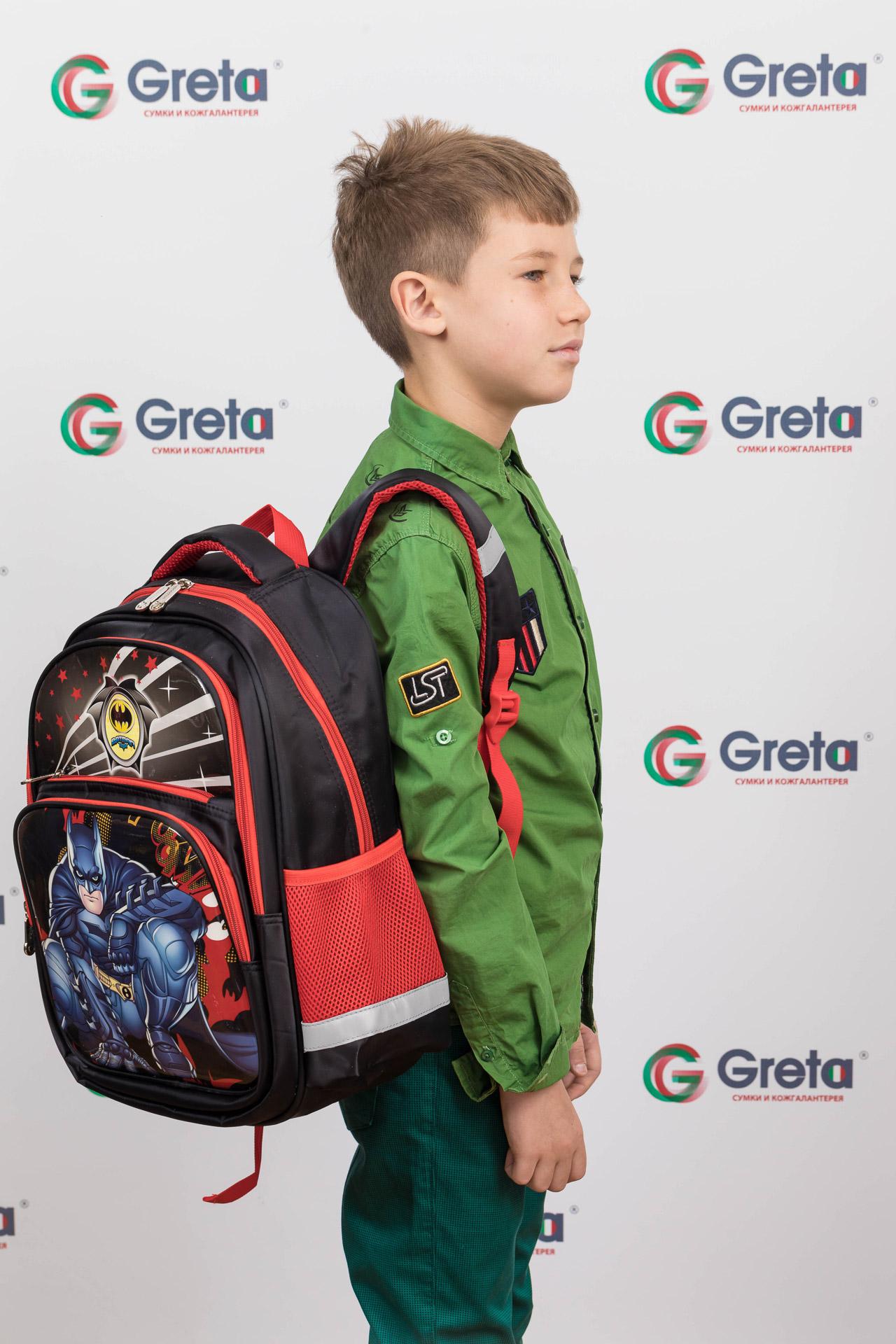 На фото 4 - Детский рюкзак для школы с принтом, цвет красный