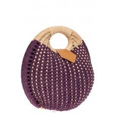 На фото 1 - Женская плетеная сумка из ротанга в форме шара, цвет баклажан