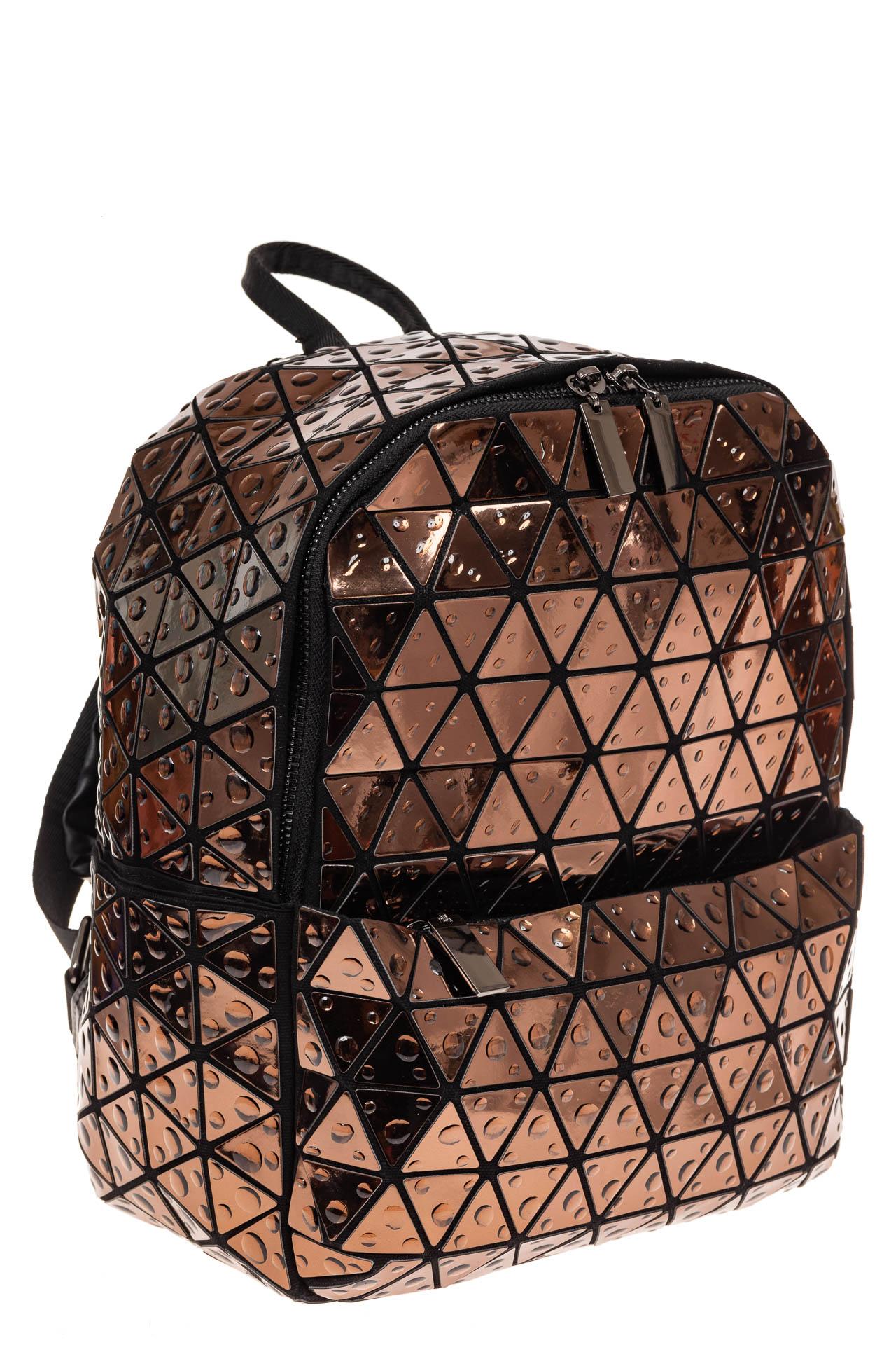 На фото 1 - Рюкзак с 3D эффектом из искусственной кожи, цвет бежевый