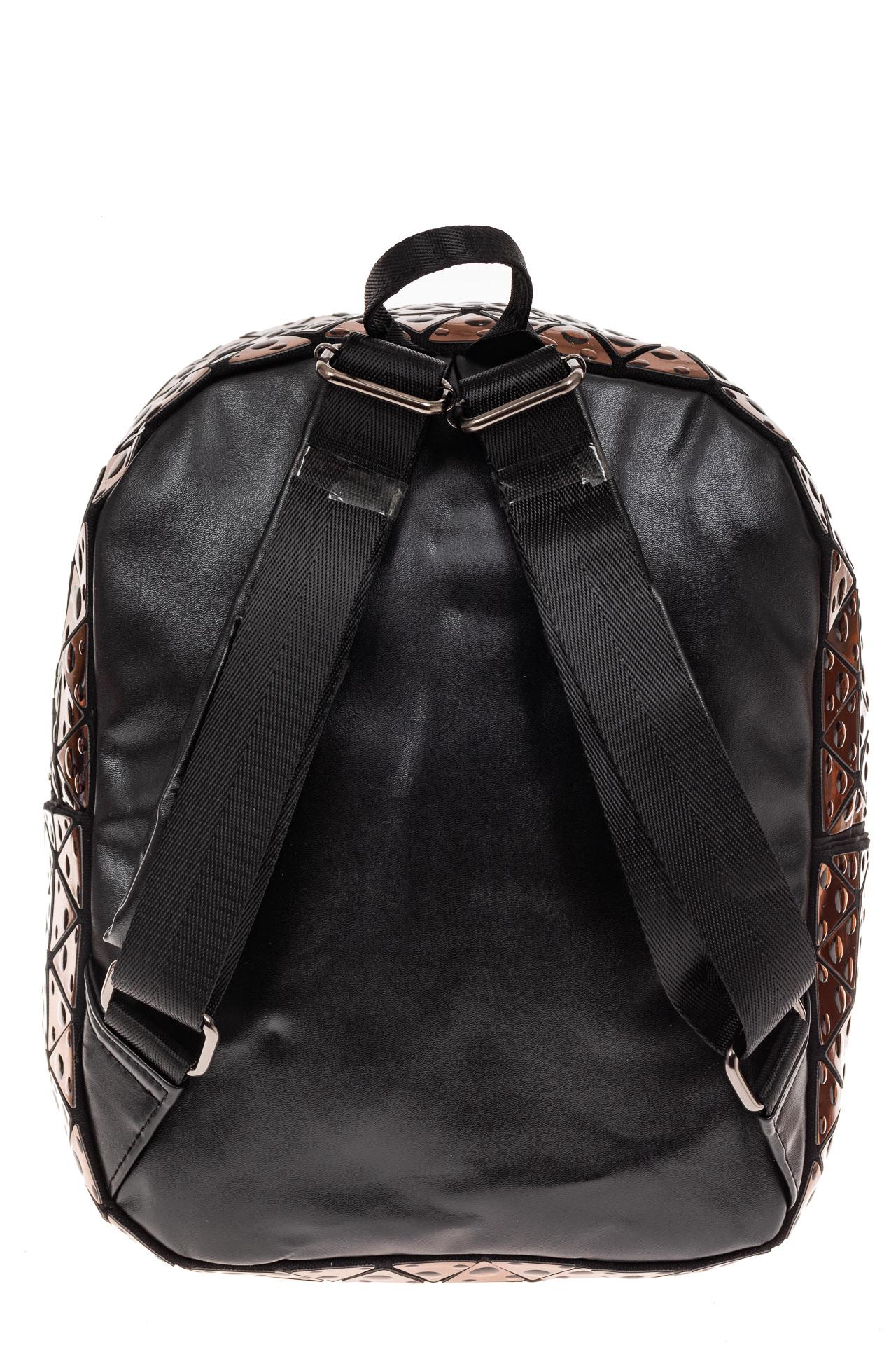 На фото 2 - Рюкзак с 3D эффектом из искусственной кожи, цвет бежевый