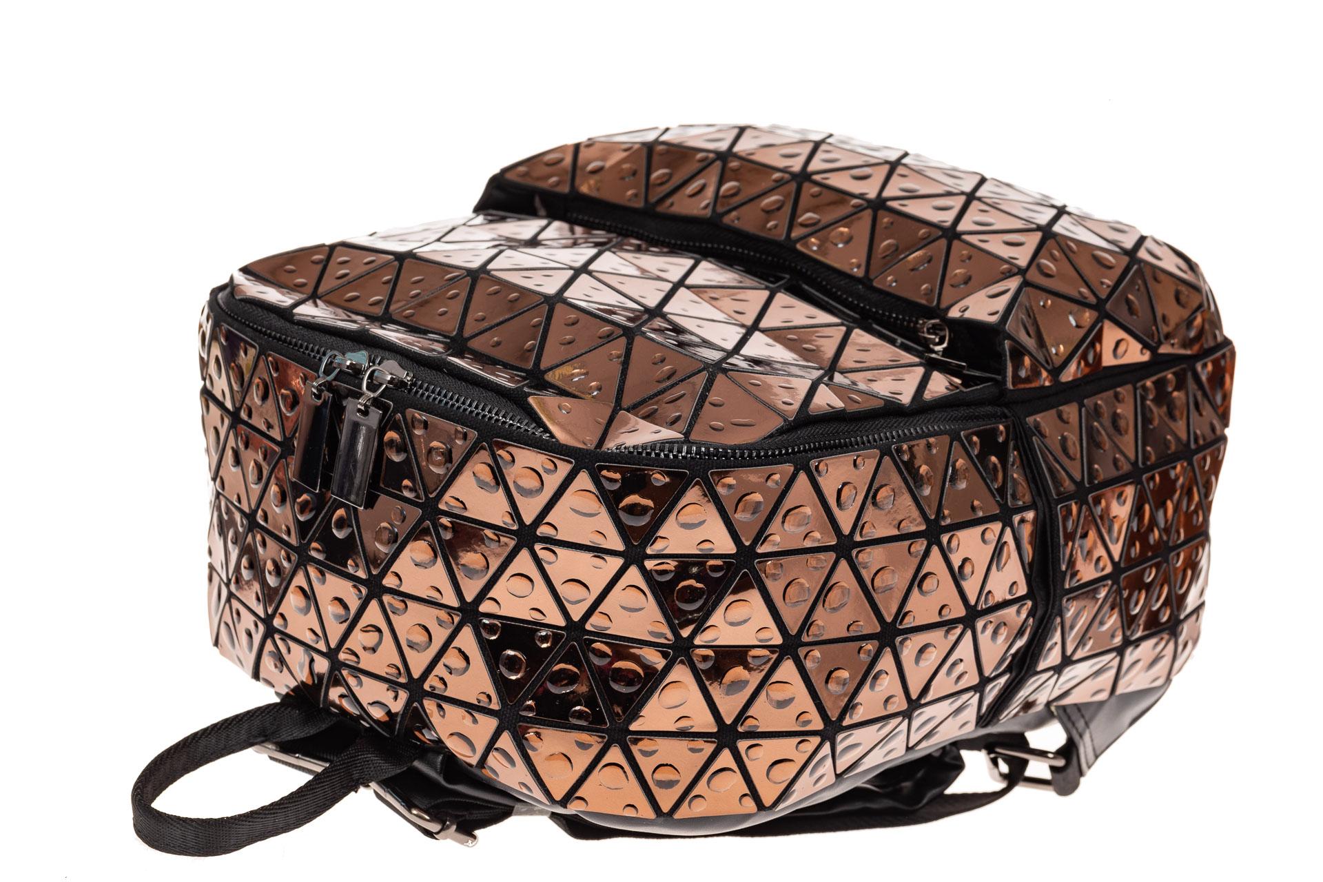 На фото 3 - Рюкзак с 3D эффектом из искусственной кожи, цвет бежевый
