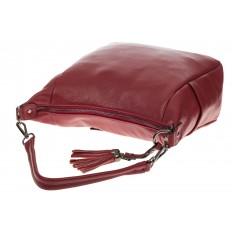 На фото 4 - Красная сумка хобо из натуральной кожи
