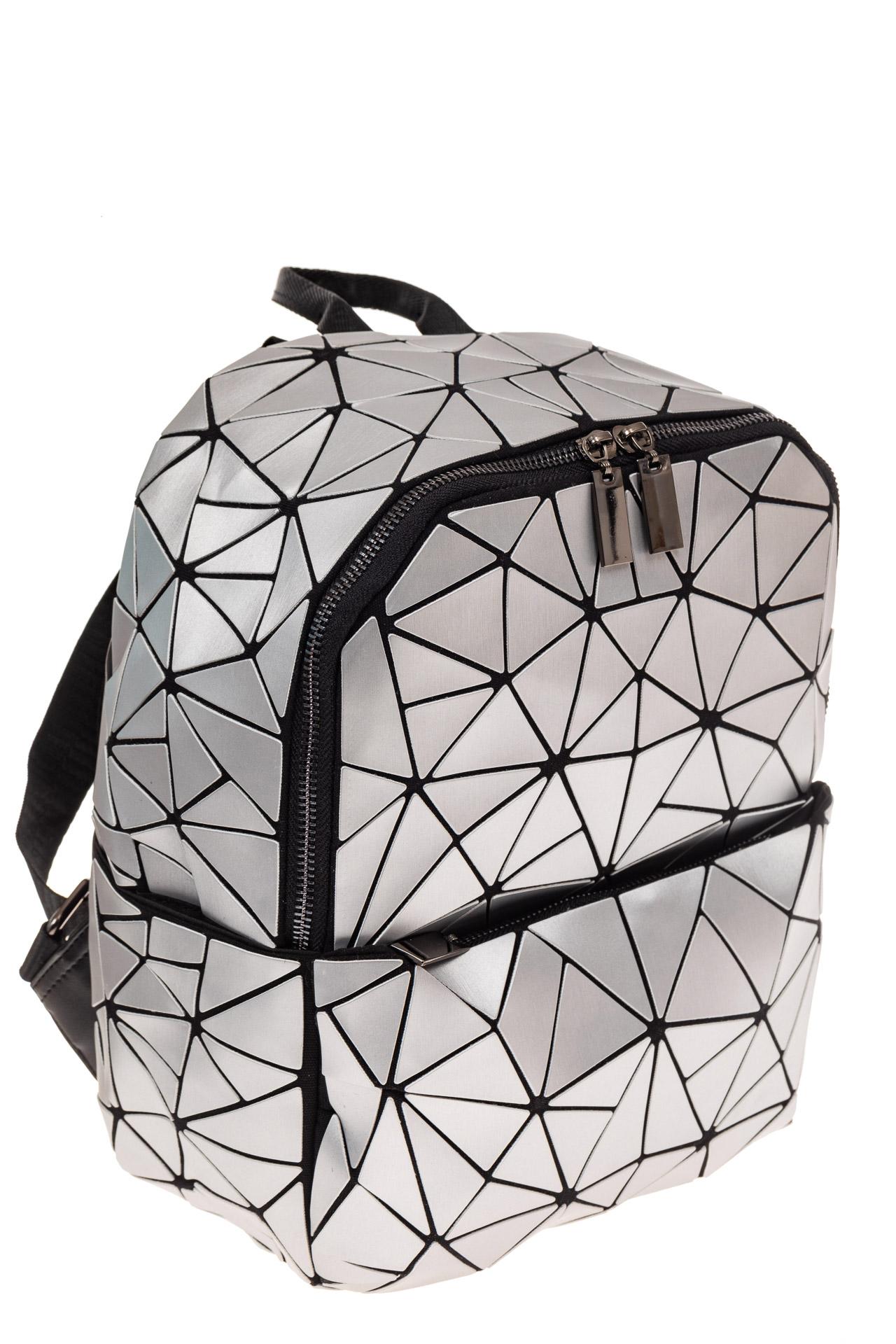На фото 1 - Рюкзак с 3D эффектом из искусственной кожи, цвет серебро