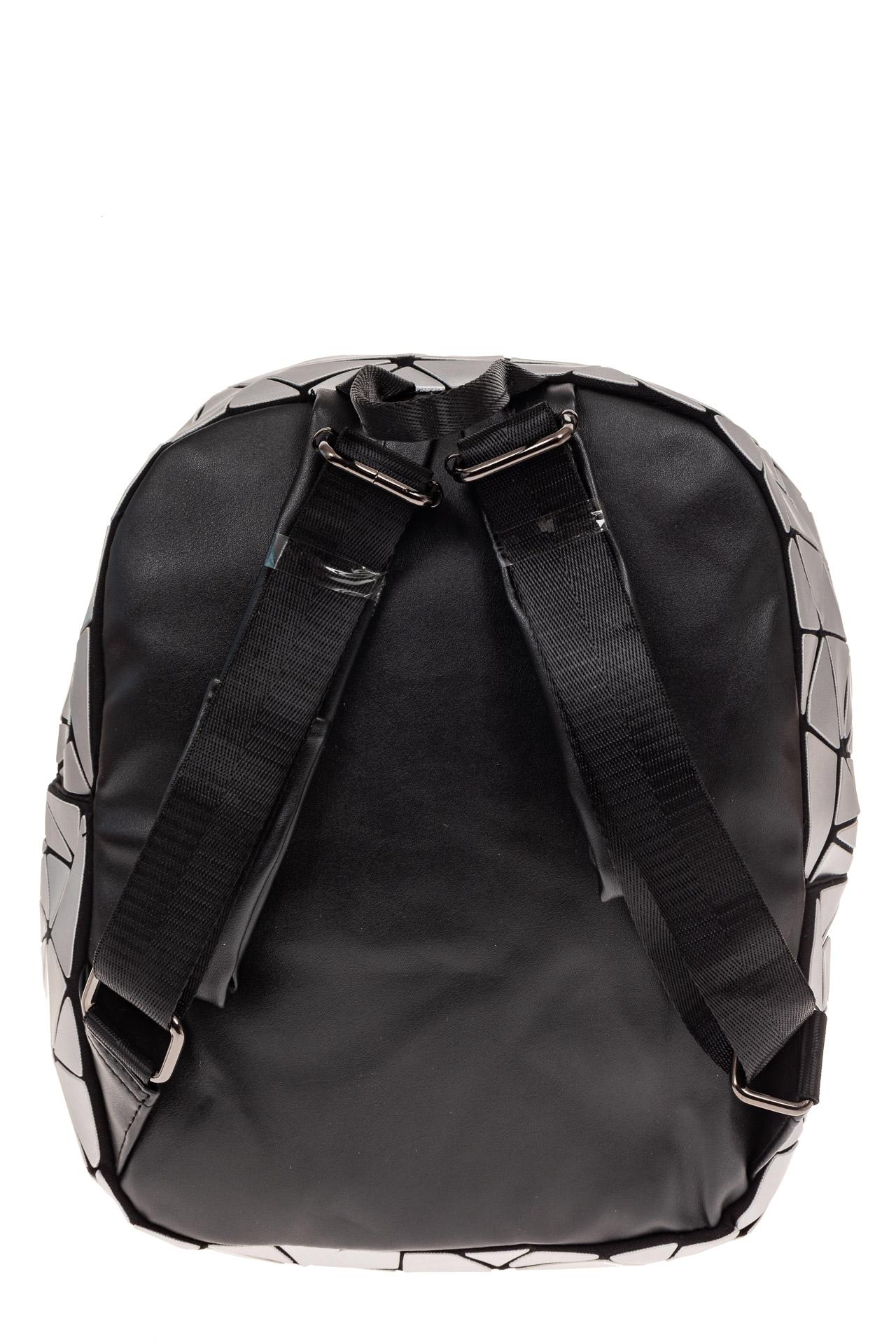 На фото 2 - Рюкзак с 3D эффектом из искусственной кожи, цвет серебро