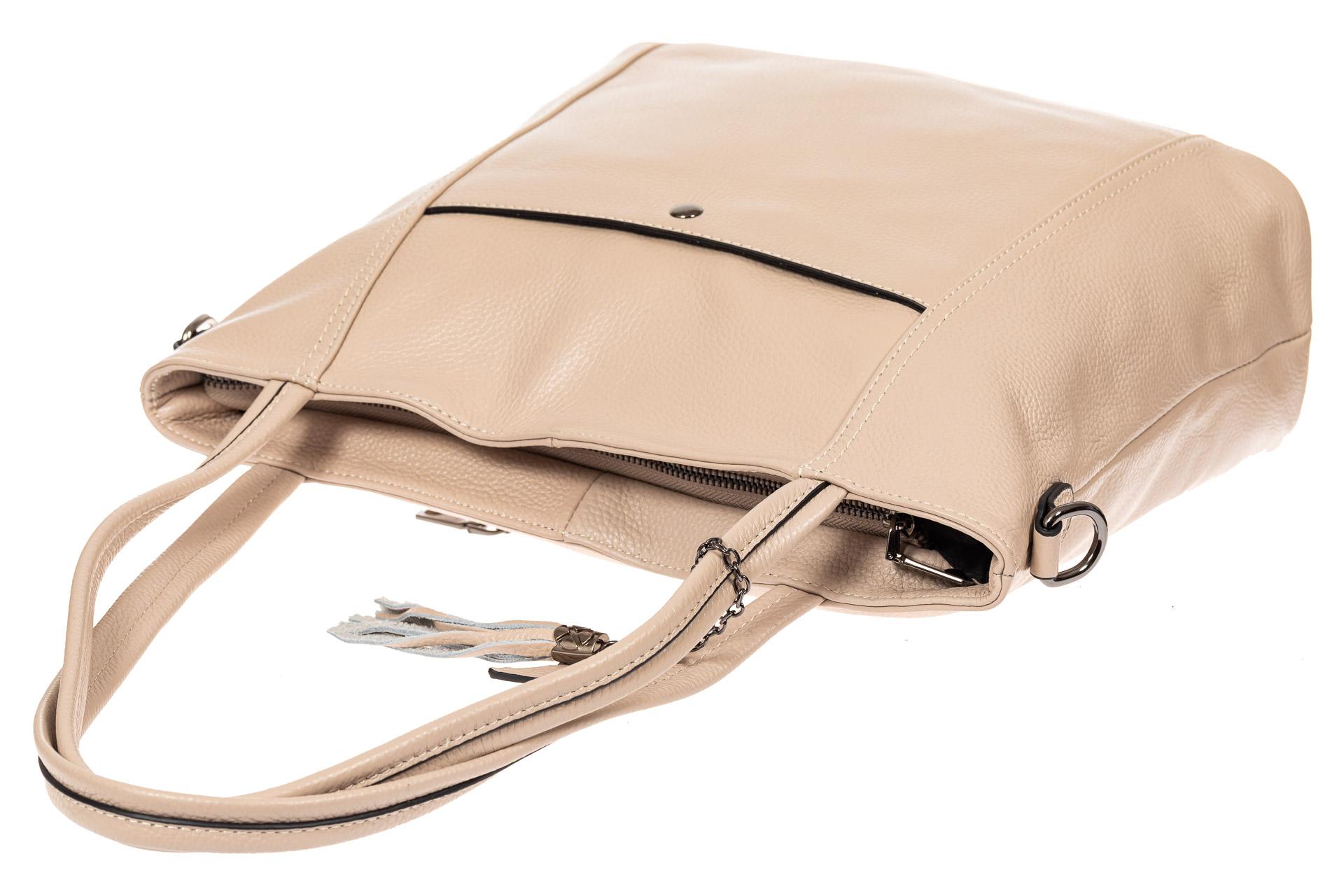 На фото 5 - Кожаная сумка шоппер, цвет бежевый