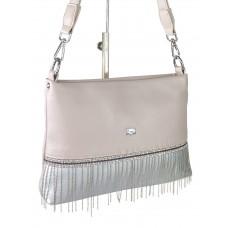 На фото 1 - Вечерняя сумка из мягкой экокожи со стразами и подвесками, цвет пудровый с серебристым