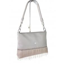 На фото 1 - Вечерняя сумка из мягкой экокожи со стразами и подвесками, цвет серый с пудровым
