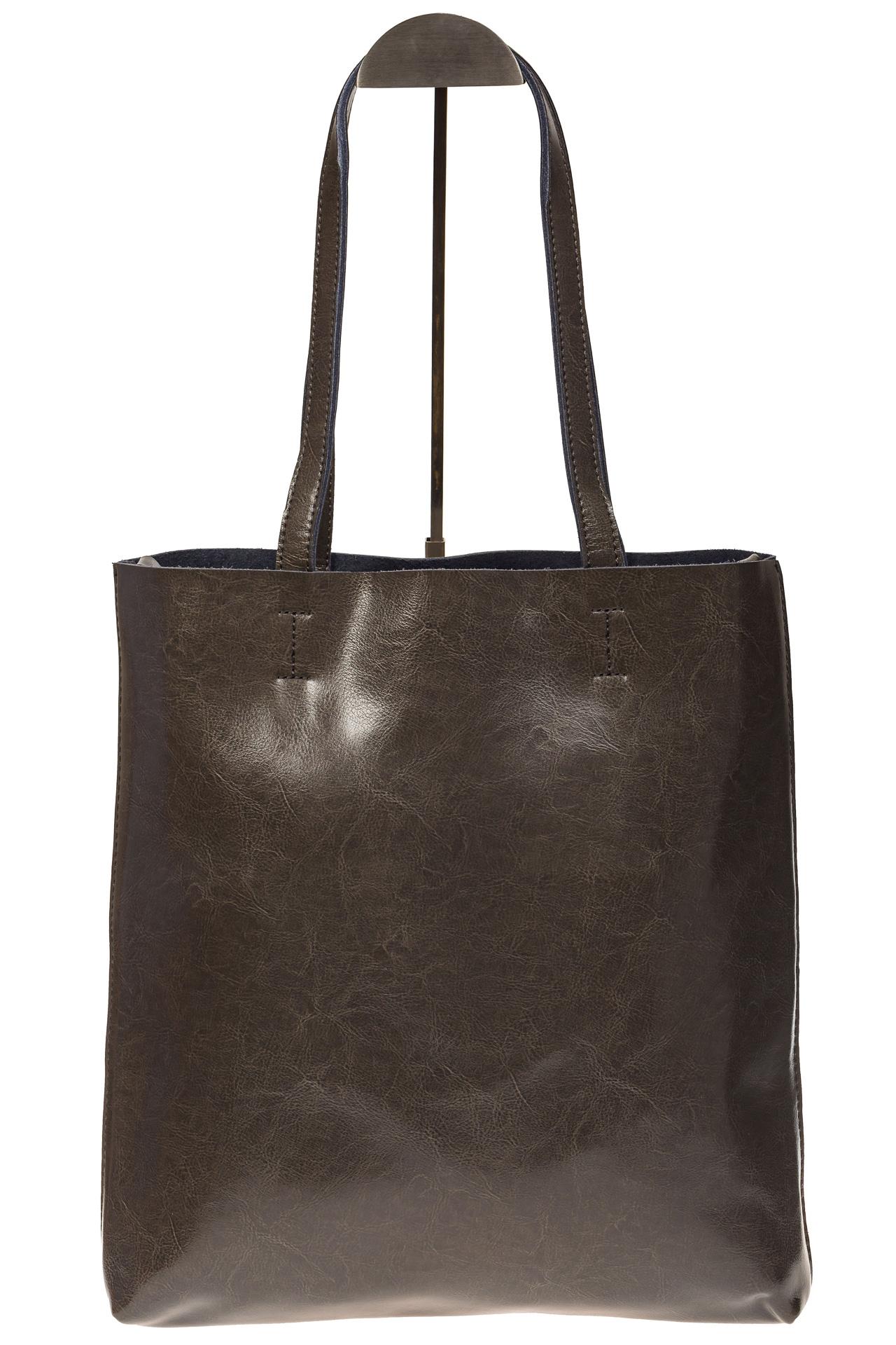 На фото 2 - Кожаная сумка-пакет серого цвета