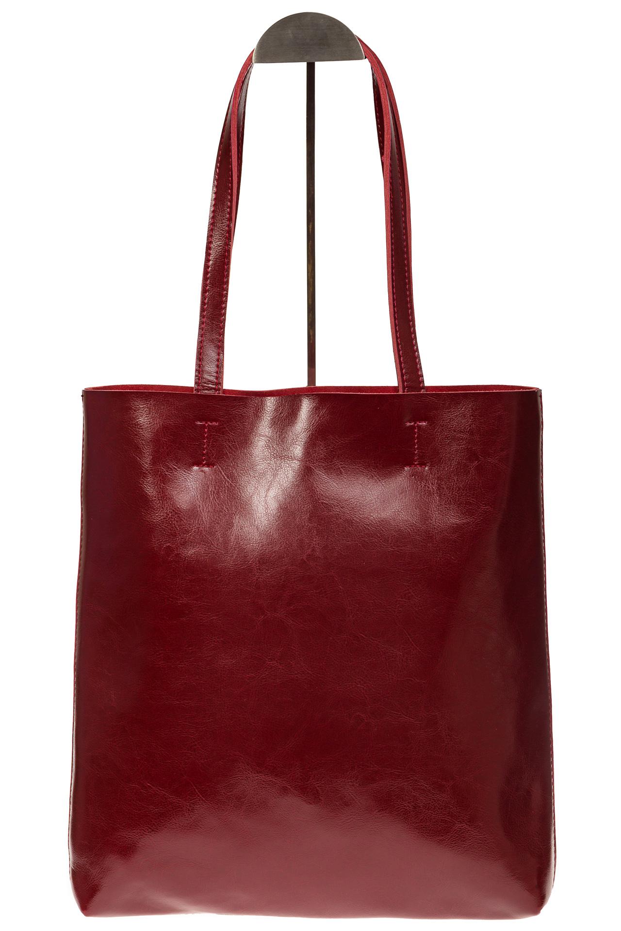 На фото 3 - Кожаная сумка-пакет бордового цвета