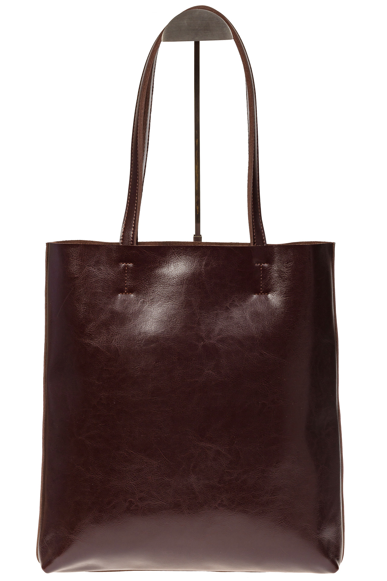 На фото 2 - Кожаная сумка-пакет цвета кофе
