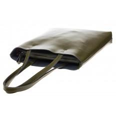 На фото 4 - Кожаная сумка-пакет зеленого цвета