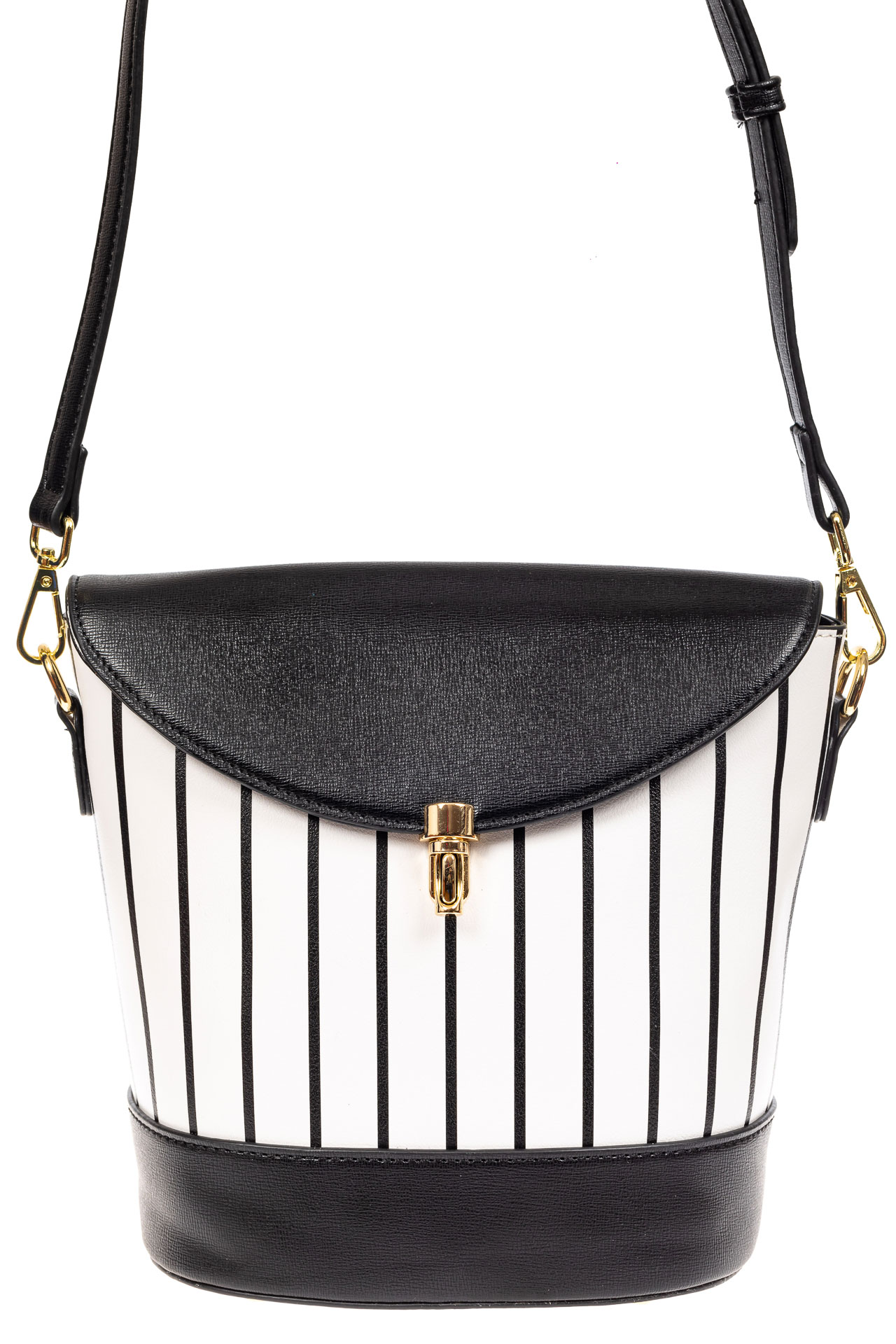 На фото 2 - Женская сумка из кожзама сумка с клапаном, цвет черный