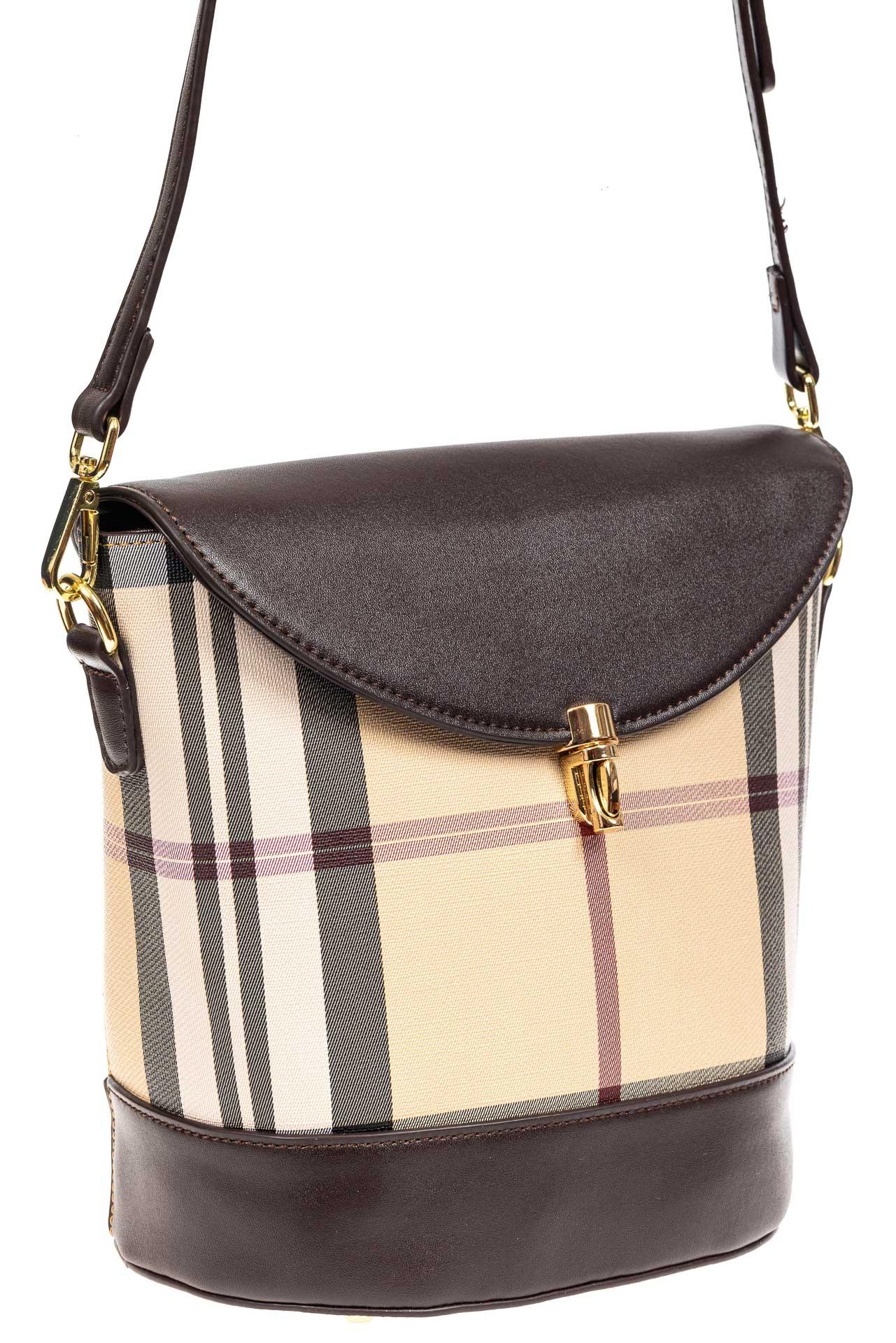 На фото 1 - Женская сумка из кожзама сумка с клапаном, цвет коричневый