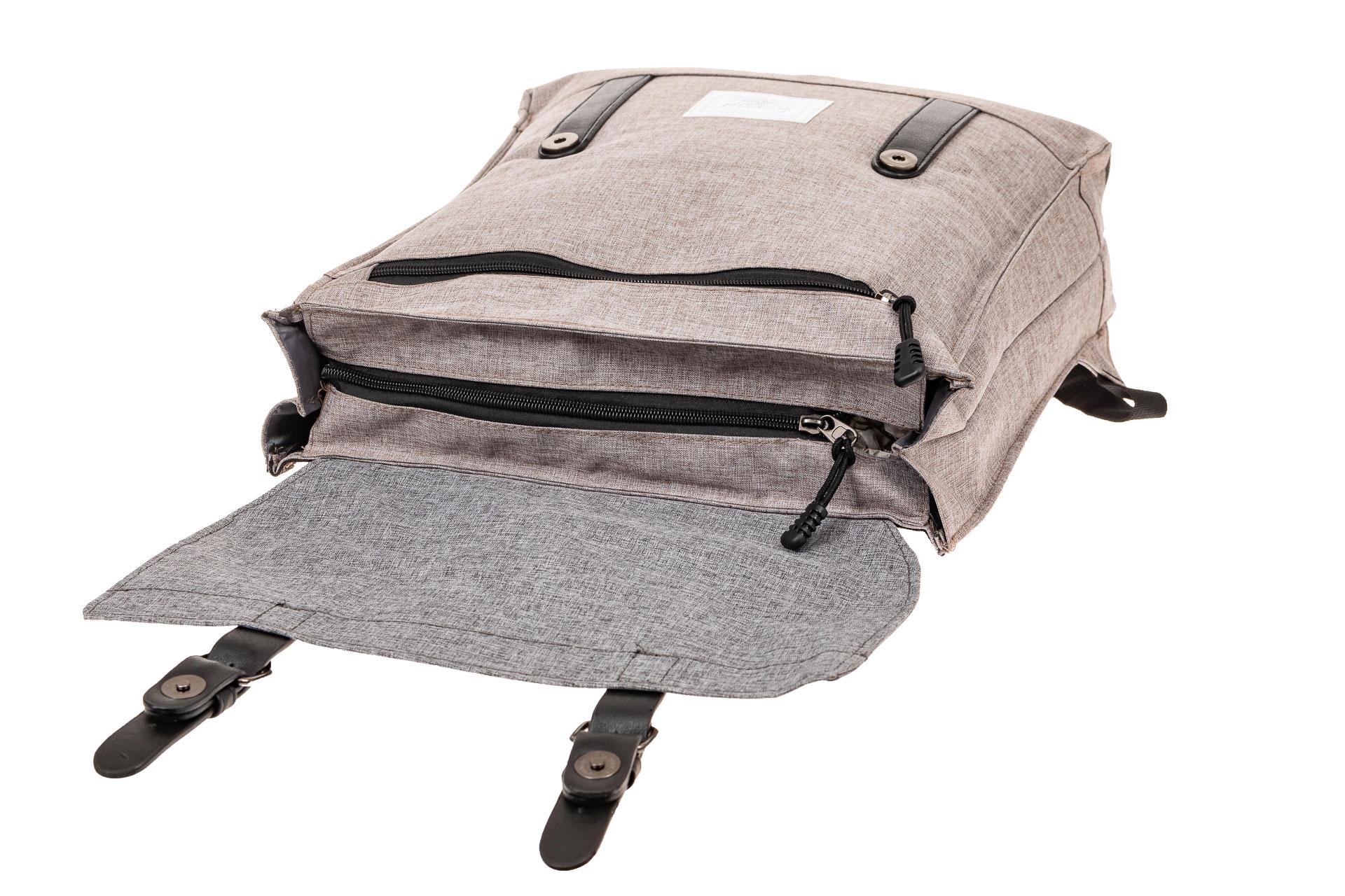На фото 4 - Мужской рюкзак с клапаном, цвет серый
