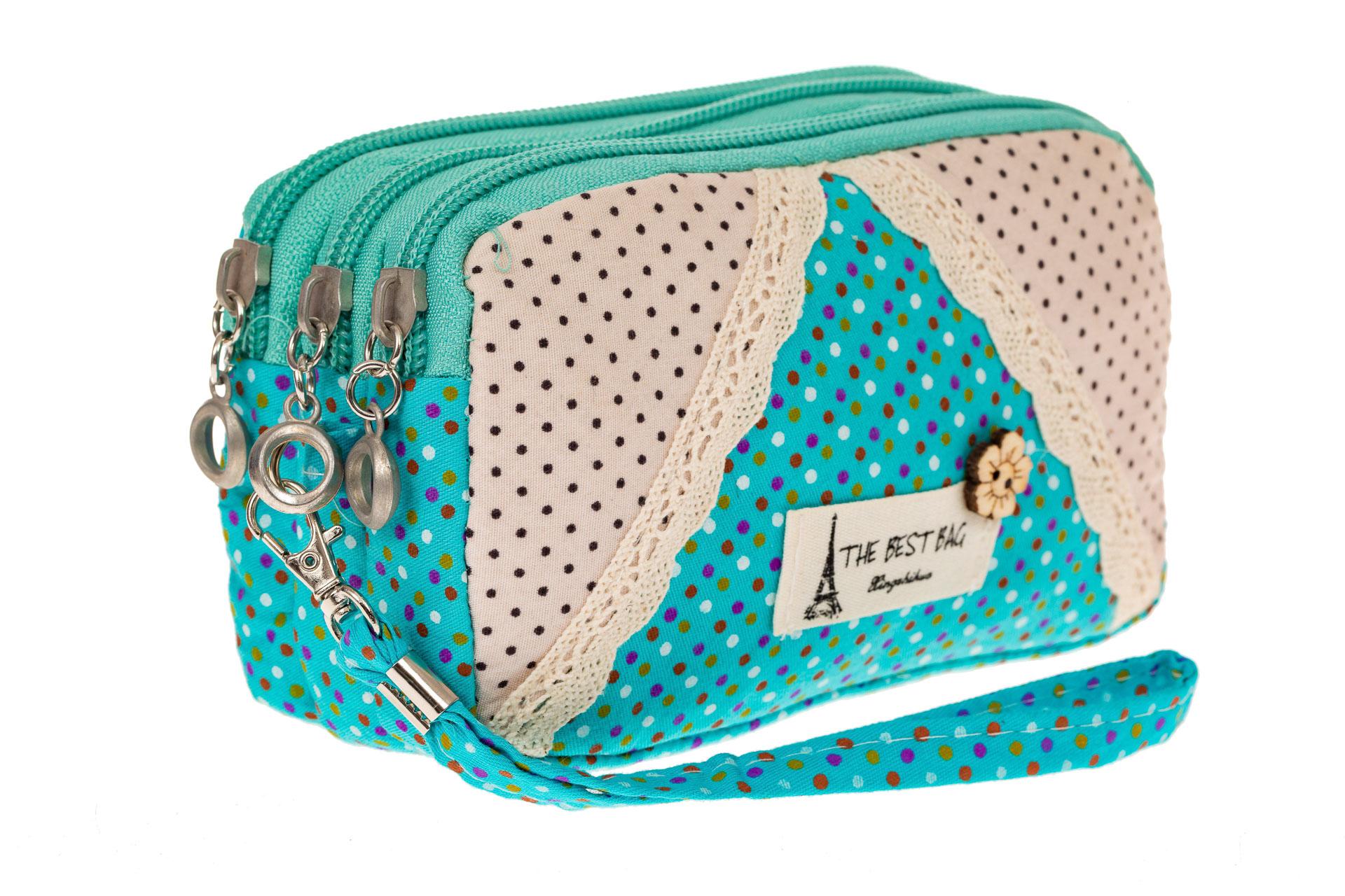 На фото 1 - Текстильная косметичка с кружевом, цвет голубой