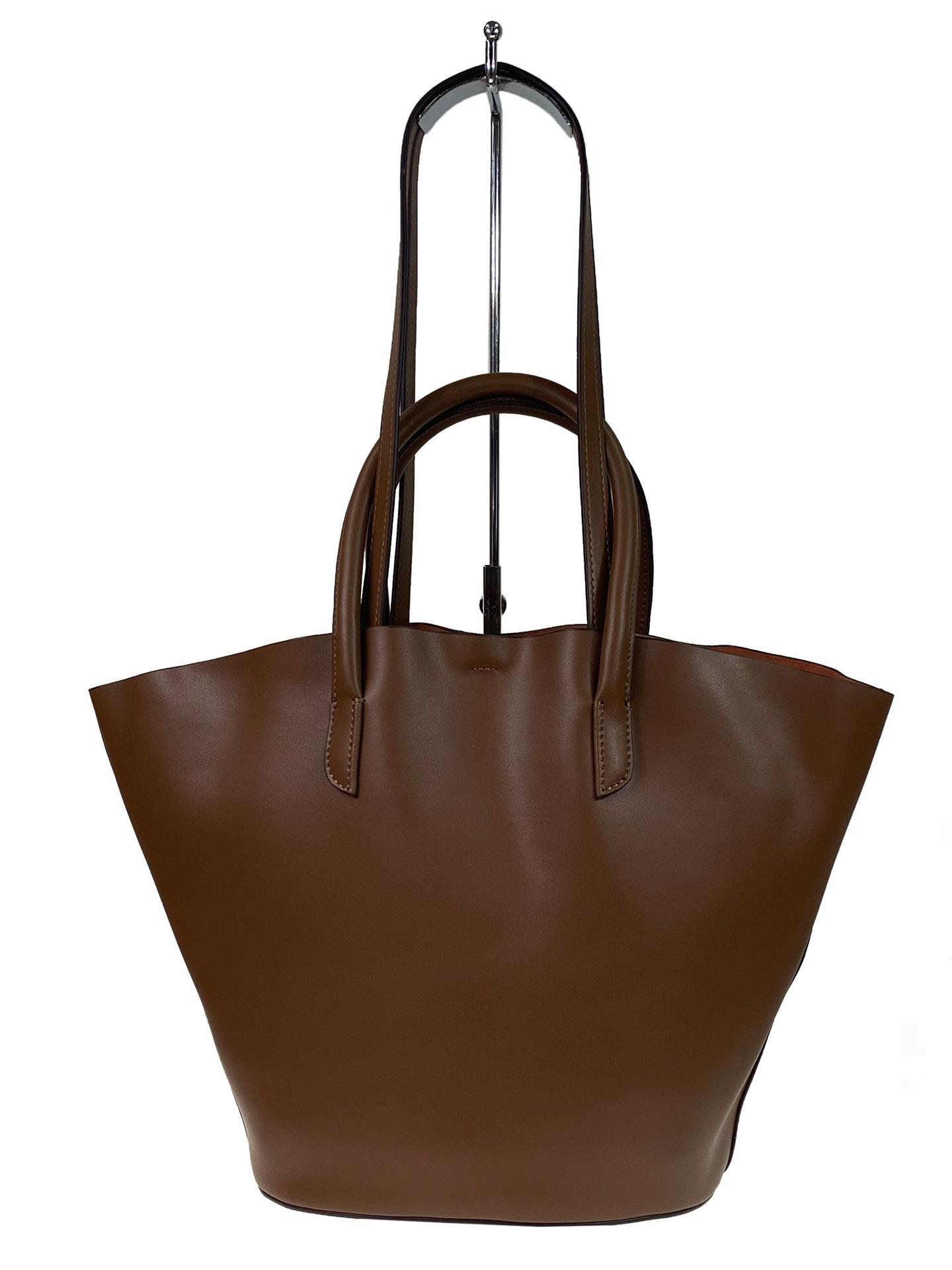 На фото 2 - Сумка-ведро из натуральной кожи, цвет коричневый