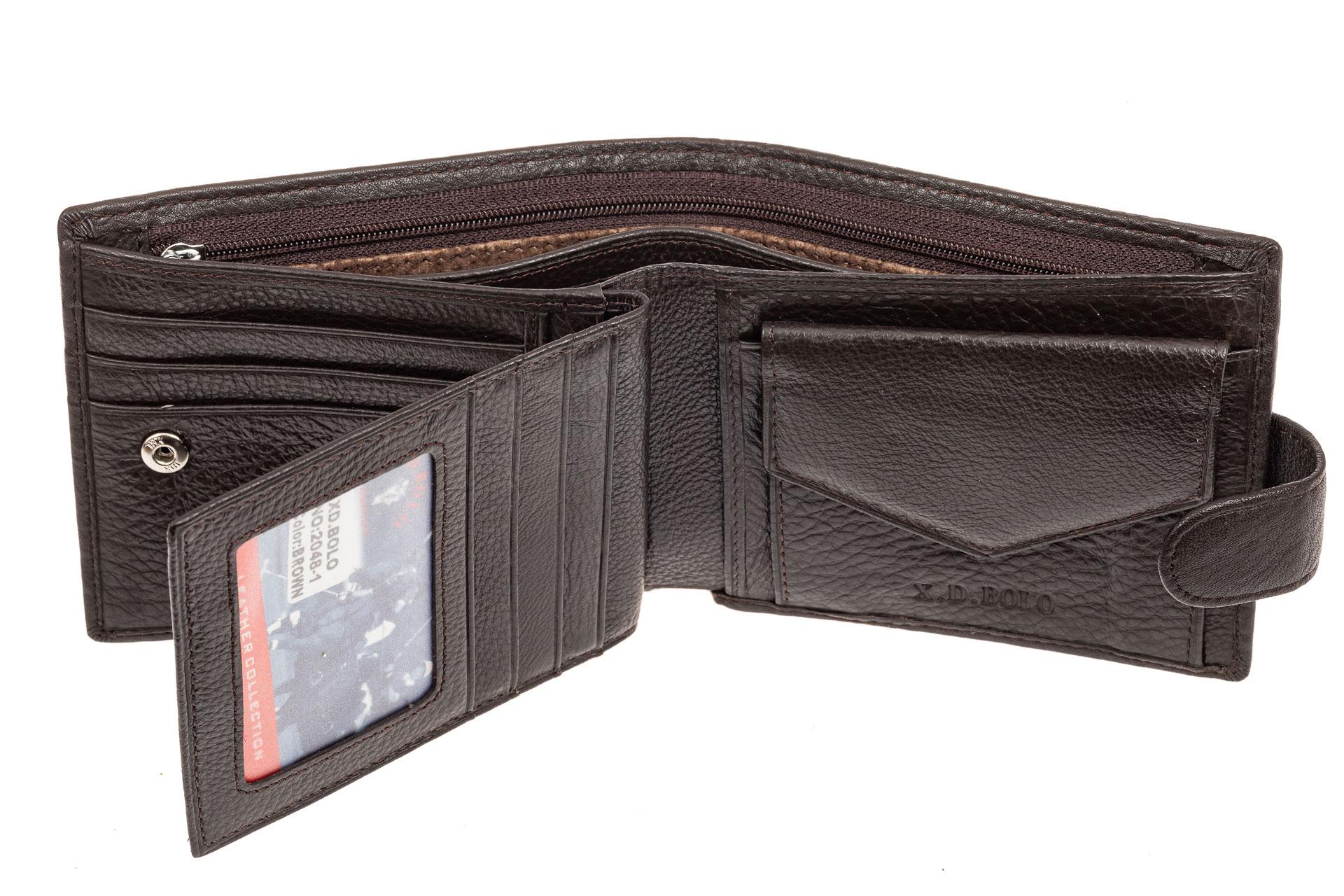 На фото 2 - Классическое мужское портмоне из натуральной кожи, цвет коричневый