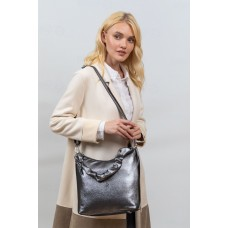 На фото 1 - Женская сумка хобо из искусственной кожи, цвет серебро