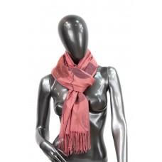 На фото 1 - Шарф-палантин из кашемира в листочках, цвет ярко-розовый