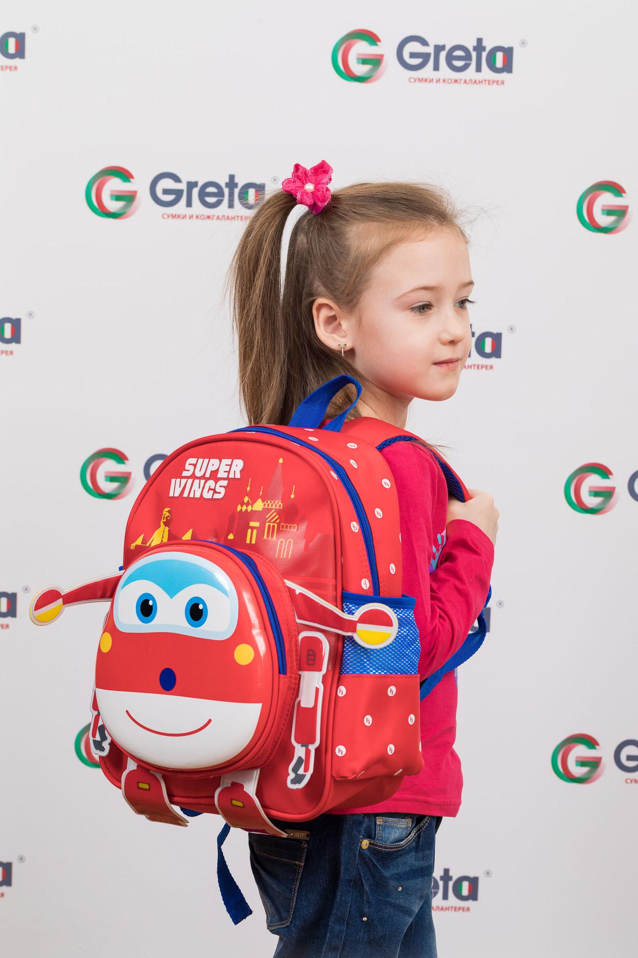 На фото 4 - Детский рюкзак самолетик, цвет красный