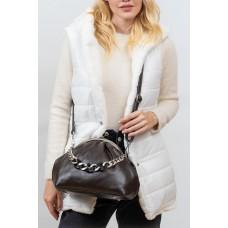 На фото 1 - Вечерняя женская сумка с фермуаром из мягкой экокожи, цвет хаки