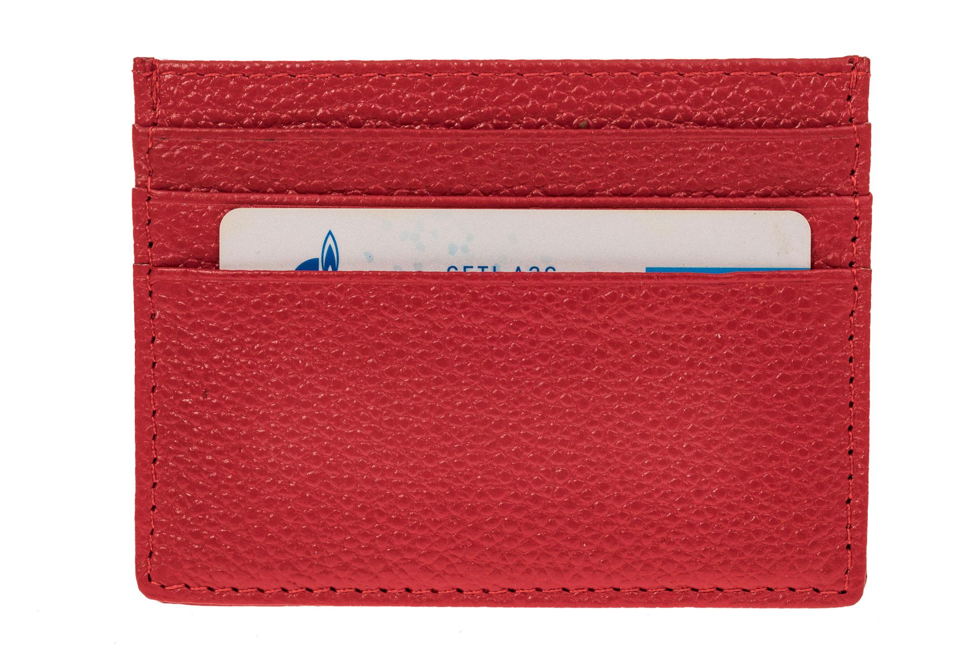 На фото 2 - Кожаный картхолдер на 6 карточек, цвет красный