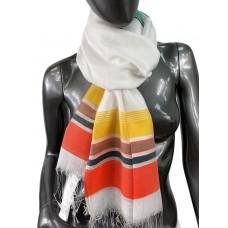 На фото 1 - Лёгкий шарф-палантин в полоску, цвет белый