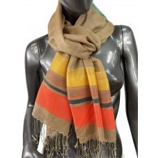 На фото 1 - Лёгкий шарф-палантин в полоску, цвет золотистый