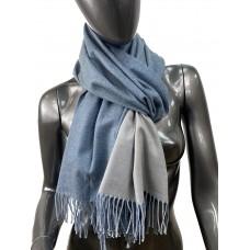На фото 1 - Двухсторонний палантин из хлопка и шерсти, цвет синий и серый