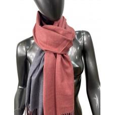 На фото 1 - Двухсторонний палантин из хлопка и шерсти, цвет кирпичный и серый
