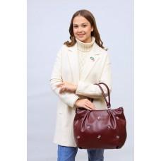 На фото 1 - Женская сумка хобо из гладкой экокожи, цвет бордо