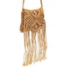 На фото 1 - Плетеная сумка с бахромой, цвет крафт