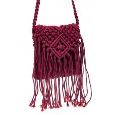 На фото 1 - Плетеная сумка с бахромой, цвет малиновый
