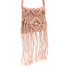 На фото 1 - Плетеная сумка с бахромой, цвет розовый