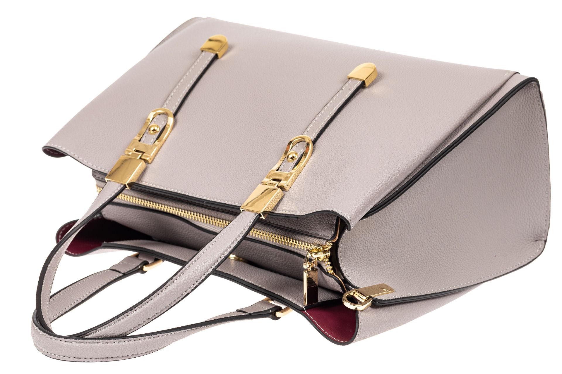 На фото 4 - Кожаная женская сумка тоут с регулировкой лямок, цвет серый