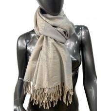 На фото 1 - Мягкий палантин из кашемира, цвет бежево-серый