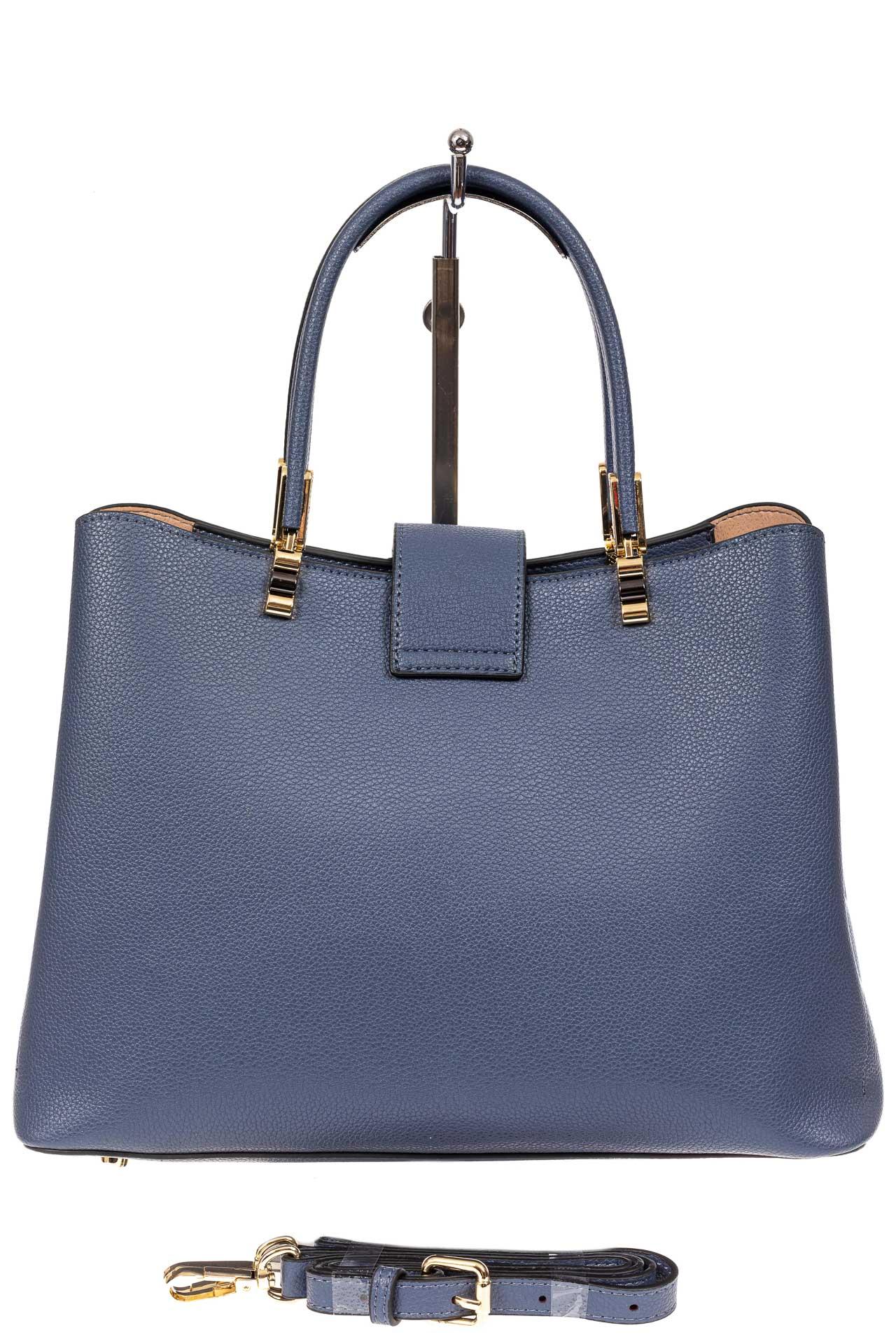 На фото 3 - Кожаная женская сумка тоут с вставкой под рептилию, цвет голубой