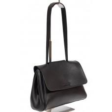 На фото 1 - Небольшая сумка-почтальонка из искусственной кожи, цвет чёрный