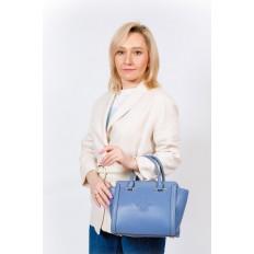 На фото 5 - Кожаная женская сумка-трапеция, цвет голубой